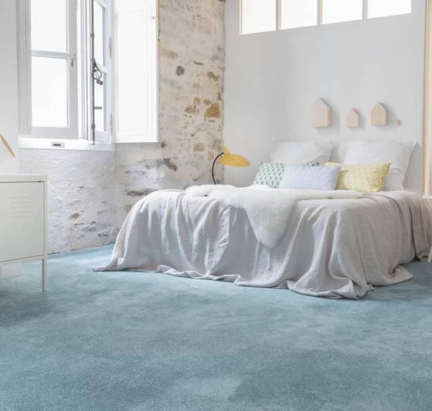 420b_roomset_carpet_ultrasoft_dalle_140_blue_5.jpg