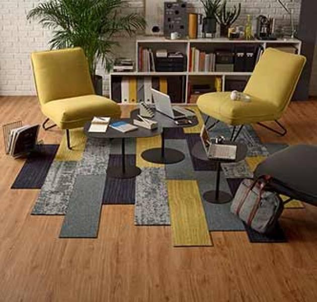 4a9u_roomset_carpet_ctb_vision_910_pilote2_940_jungle_220_990_lvt_symbiose_dryback-17x121_d645_beige_1.jpg