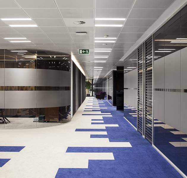 Inspiration Grande Reference office dalles Landscape groove rift couloir graphique