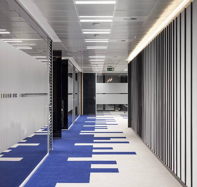Inspiration Grande Reference office dalles Landscape groove rift couloir graphique bureaux