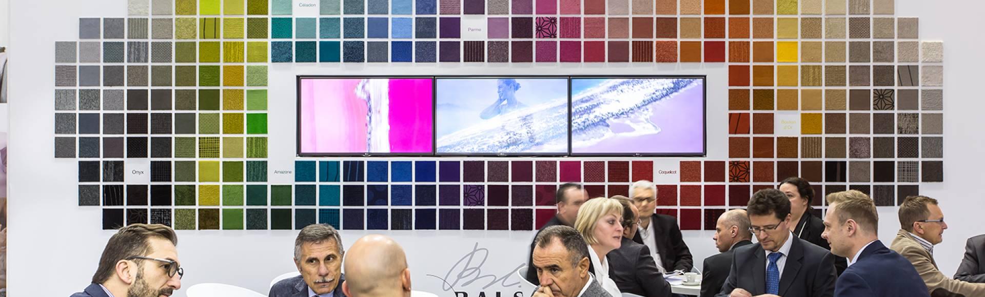 Actualités salons domotex 2016 mur colore moquette